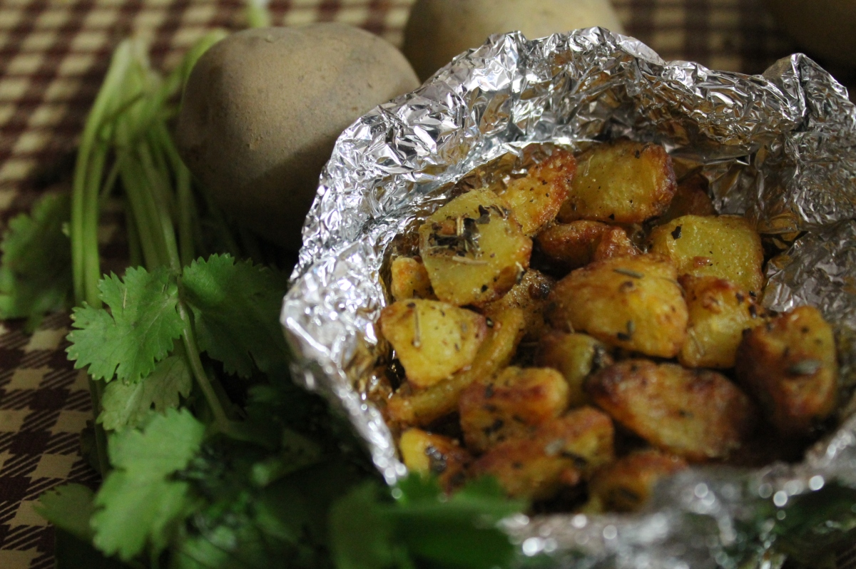 Crusty Potatoes With Thyme And Rosemary Food And Streets