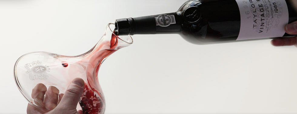 decanting-port-wine