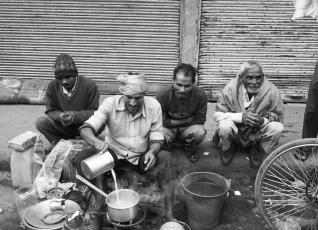 Street side chai wala preparing chai